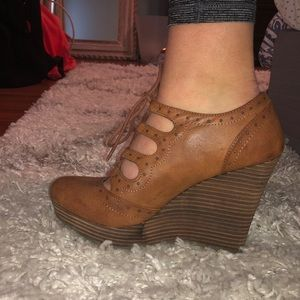 Lace up leather wedges